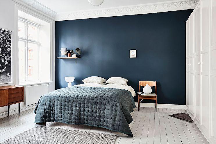 Decoración de dormitorios pequeños: pintar una pared de un color diferente