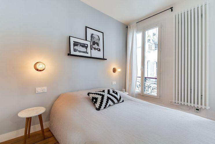 Dormitorio del monoambiente pequeño de 25 metros