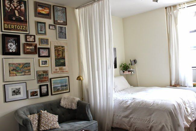 Separar el dormitorio del monoambiente con una cortina