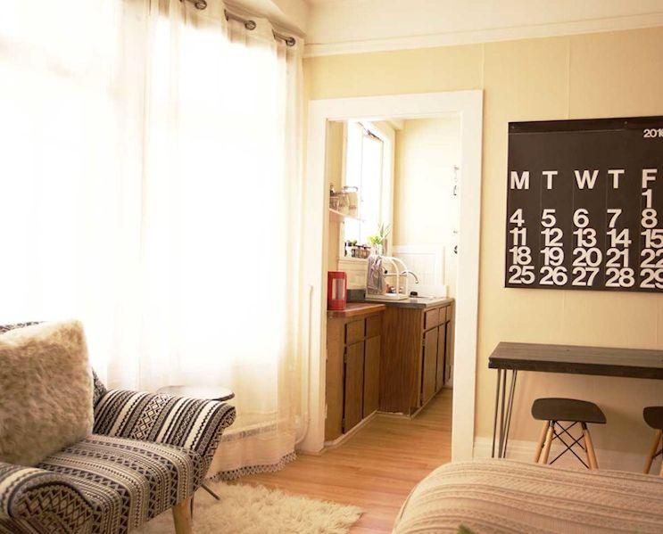 Muebles a medida y económicos del tipo DIY sacan el mejor provecho de los pocos metros