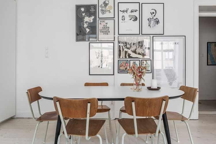 Comedor con sillas y mesa ovalada de estilo vintage