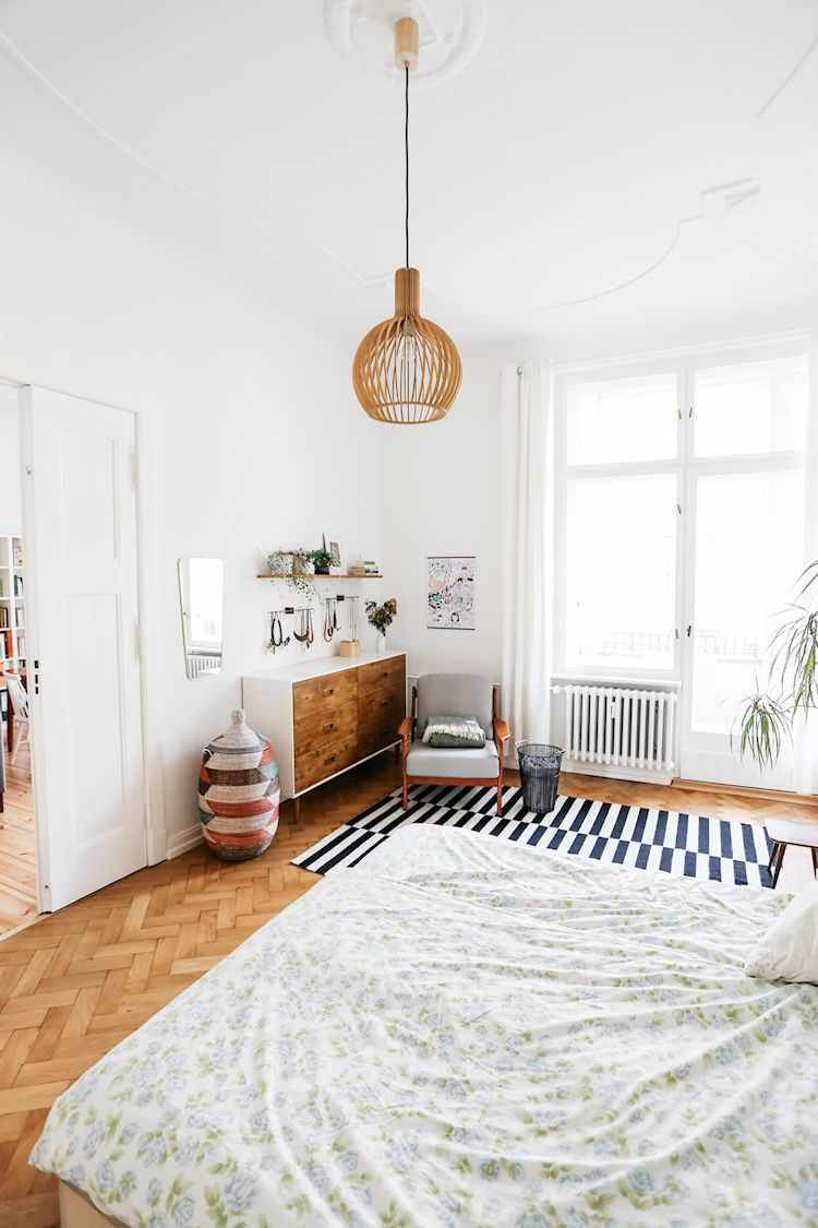 Dormitorio con decoración nórdica.