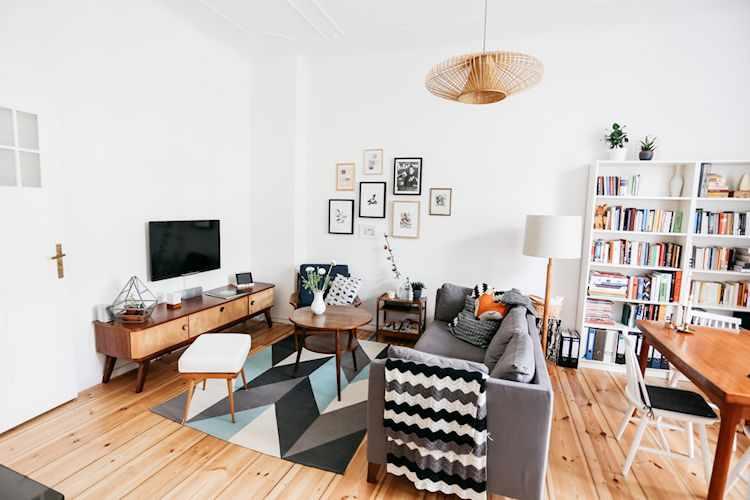 Living pequeño estilo nórdico con muebles vintage