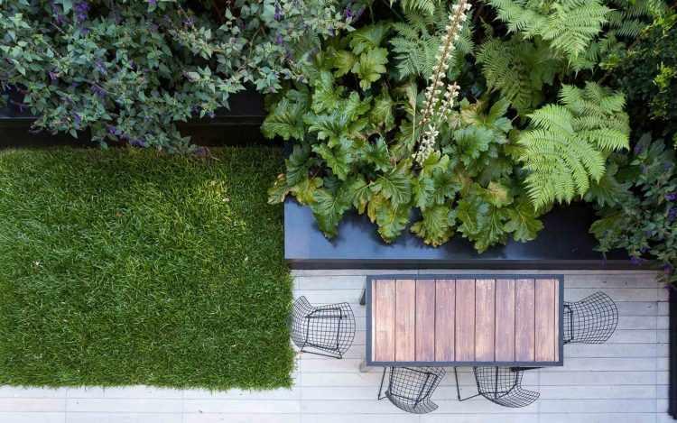 Jardín moderno con canteros