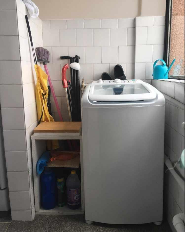 Zona del lavarropas antes de la renovación