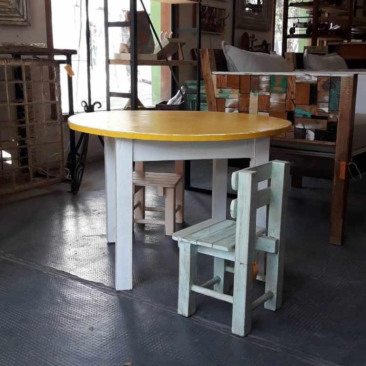 Los Diaz de Mario - Muebles rústicos en Palermo 12