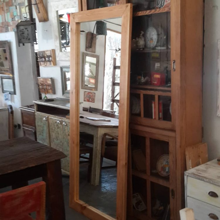 Los Diaz de Mario - Muebles rústicos en Palermo 6