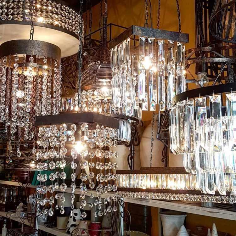 Patio Dorrego en Palermo Hollywood: diseño y venta de arañas y lámparas de estilo 1