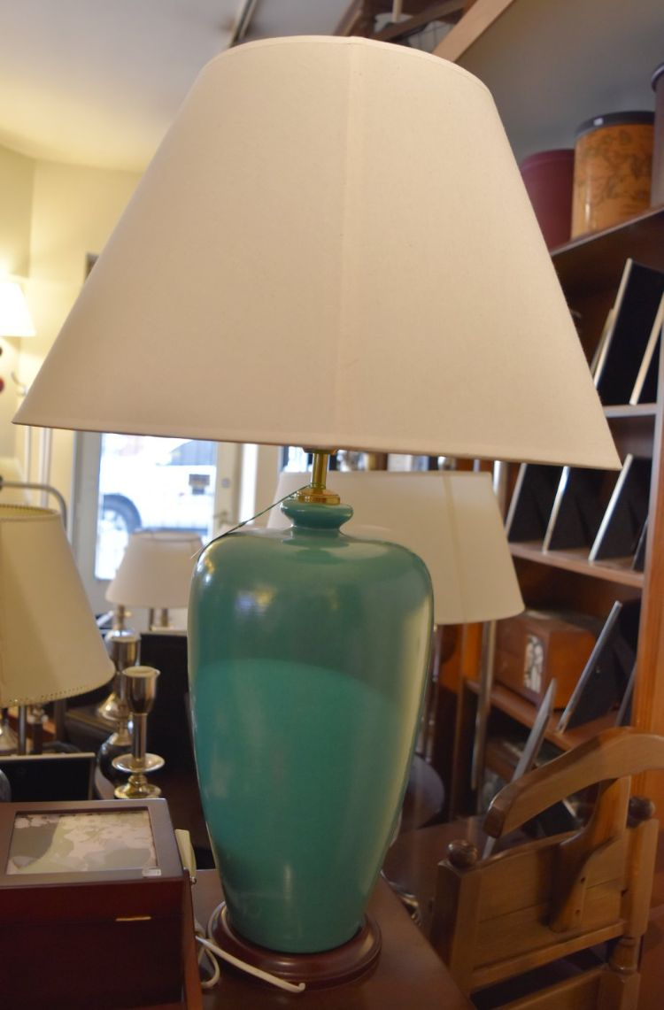 Cálido Decoraciones - Lámparas, muebles y decoración en Recoleta, Buenos Aires 11
