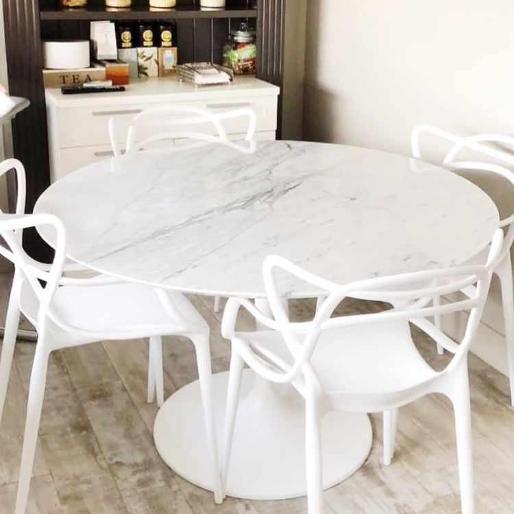 Carrara Design en Recoleta - Muebles y mesas con tapa de mármol y accesorios decorativos 2