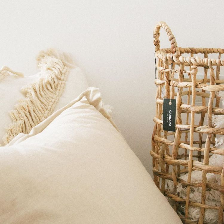 Carrara Design en Recoleta - Muebles y mesas con tapa de mármol y accesorios decorativos 8