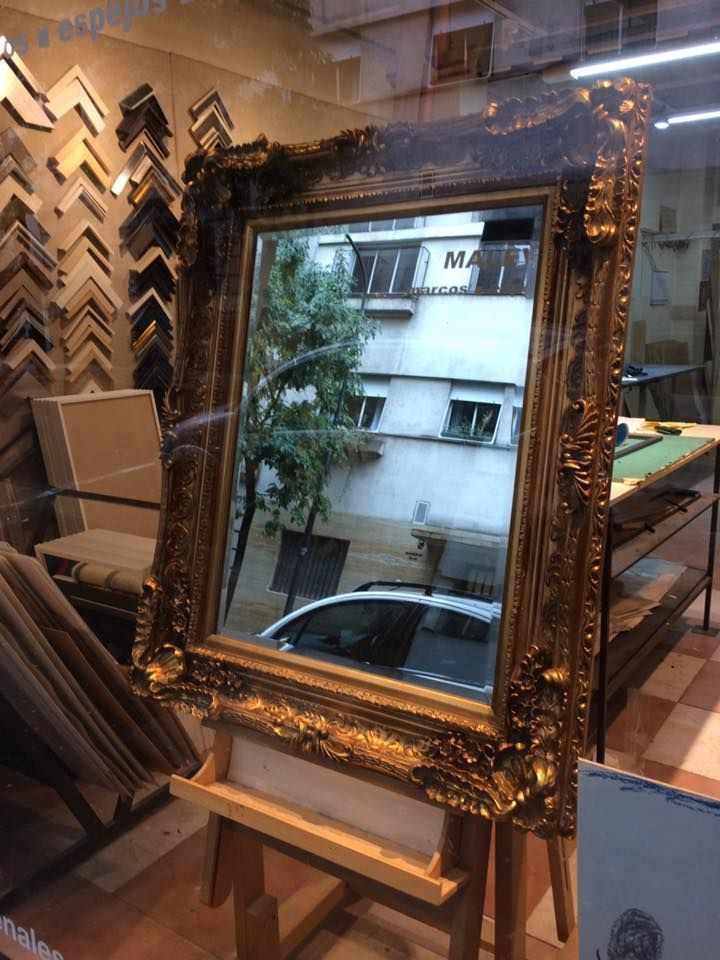 Casa Malevich - Taller de enmarcado en Recoleta, Buenos Aires 2