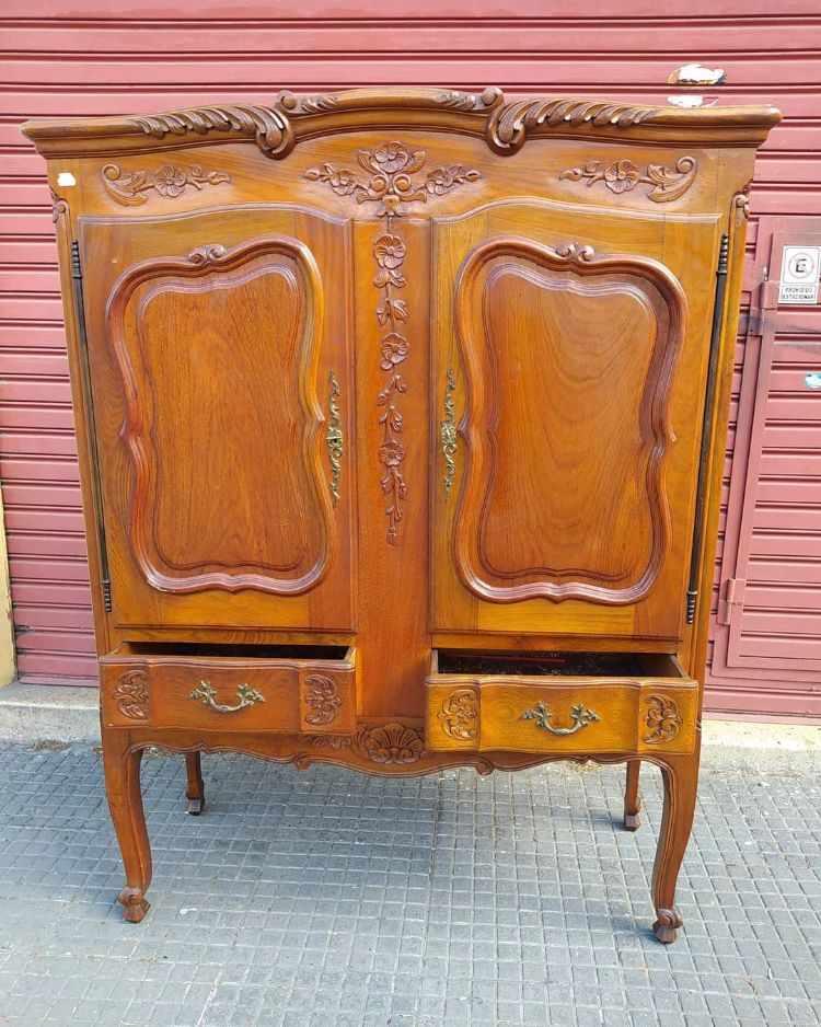 Anticuario Boedo - Muebles de estilo clásico y antiguos en Nueva Pompeya, Buenos Aires 6