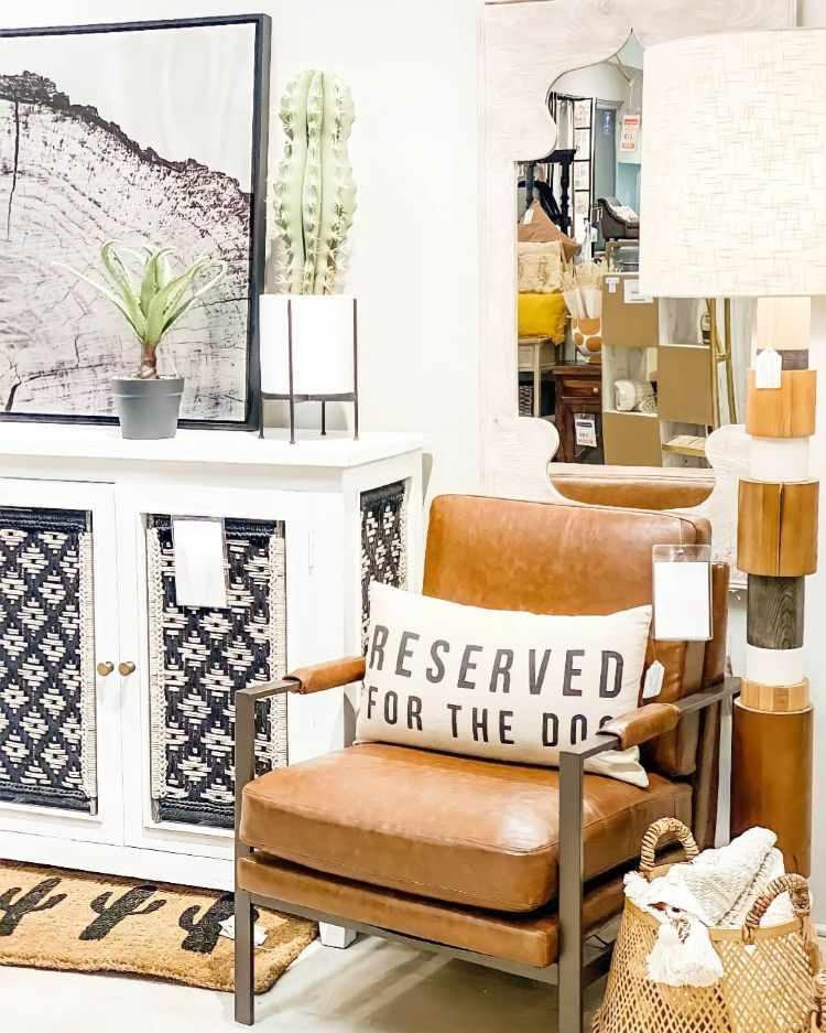 Ashley Furniture Home Store Uruguay 1