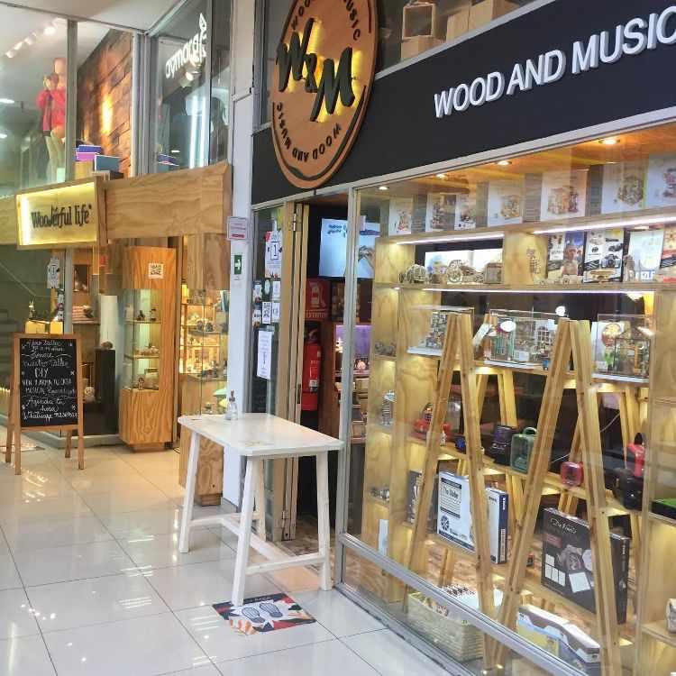 Wood and Music - Tienda de regalos y objetos de diseño en Providencia, Región Metropolitana 1