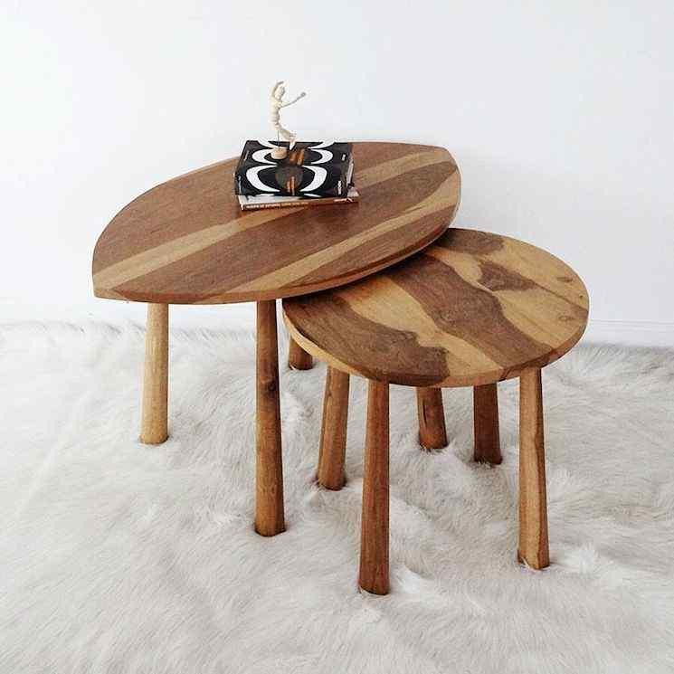 Mesas de centro en madera de Petiribí con patas torneadas