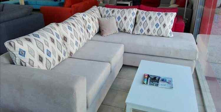 Via Divano: muebles para living y comedor en Luis Guillón 22