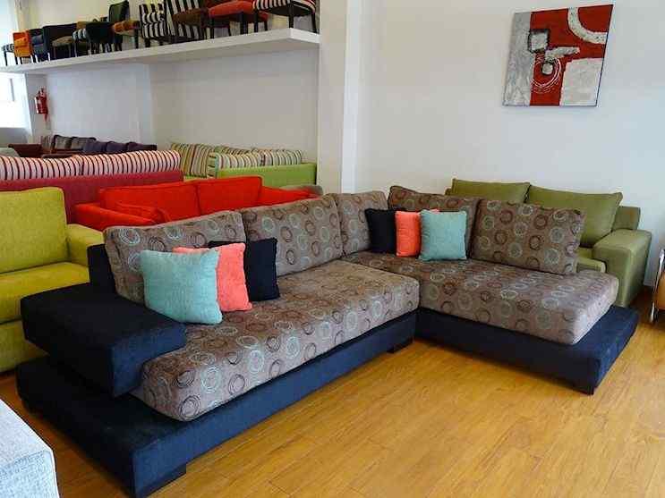 Sillones y sofás con varios diseños y colores