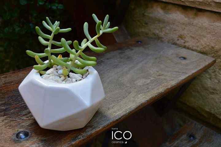 TRAMA - Lámparas, macetas y objetos en cerámica 4