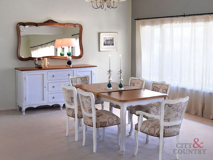 City & Country Muebles 5