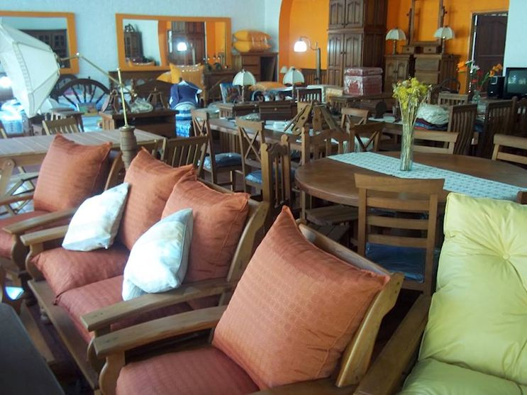 La Casona Muebles de Algarrobo en City Bell 3