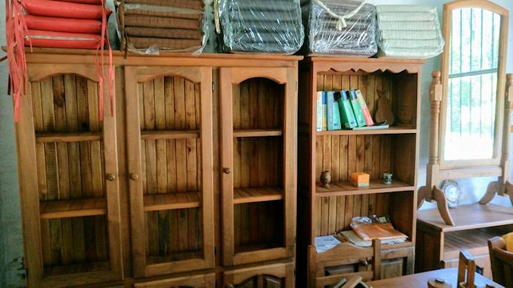 La Casona Muebles de Algarrobo en City Bell 5