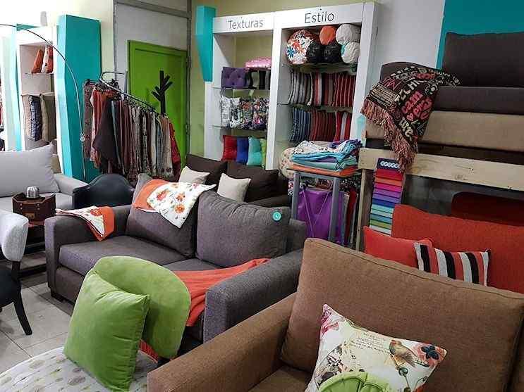 Kumi Deco: futones, sillones, sillon cama, puffs, divanes, almohadones y fundas 1